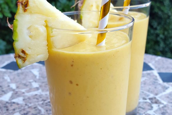 Immunity-Boosting Tropical Smoothie