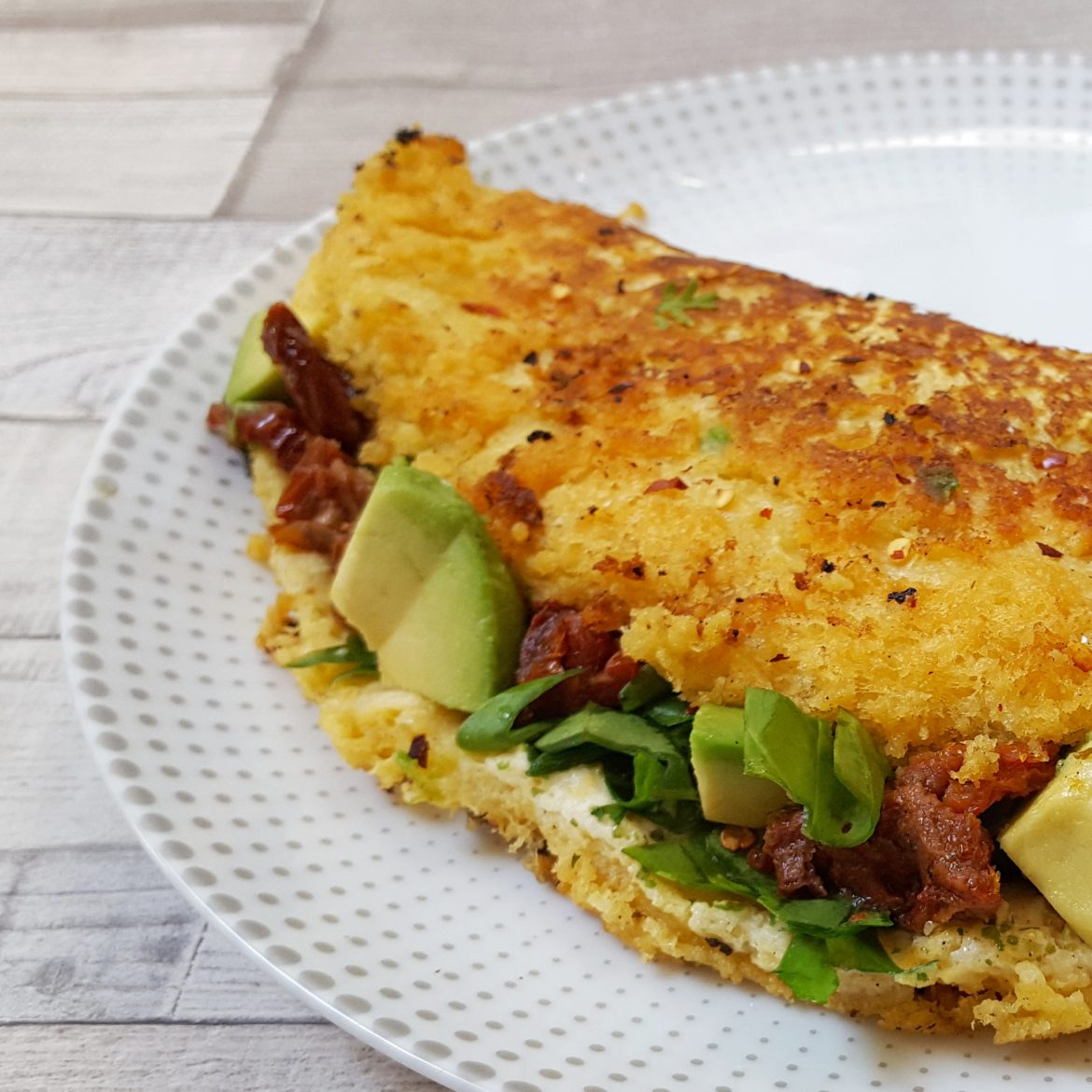 Eggless Omelette with Avocado, Spinach & Sundried Tomatoes