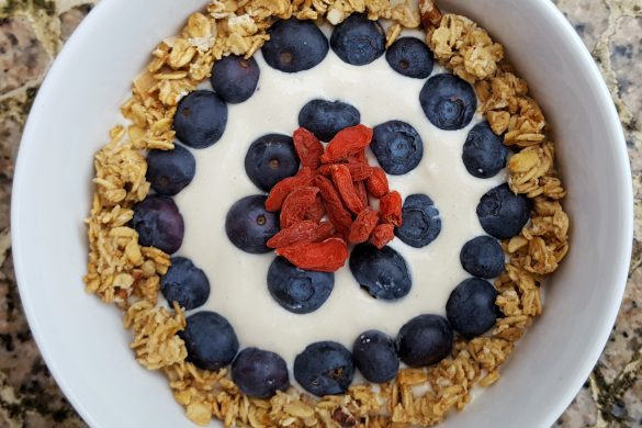 White Chocolate Berry Smoothie Bowl