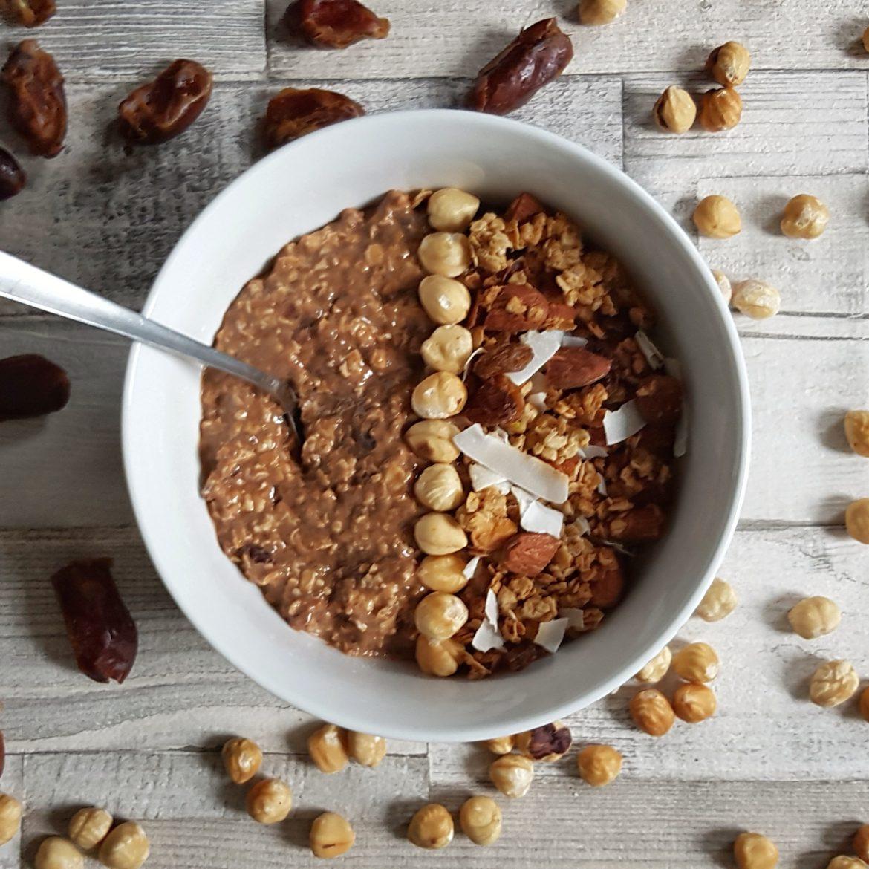 No-Yogurt Date & Cacao Overnight Oats