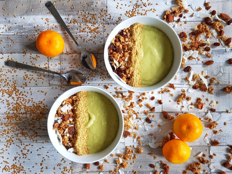 Zingy Avocado, Orange and Lemongrass Smoothie Bowl